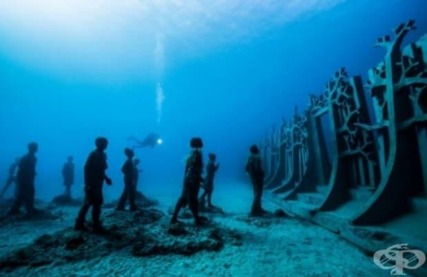 Проектът символизира необходимостта от защита на планетата и природата, преди да е станало твърде късно. (Местоположение: Музей Атлантико в Лансароте, Испания)