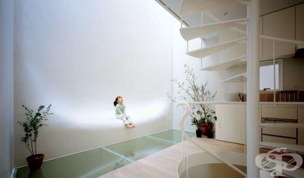 Бременната къща в Токио.
