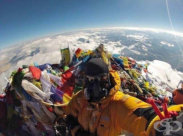 Върхът на Еверест не изглежда толкова романтична, колкото си мислим.
