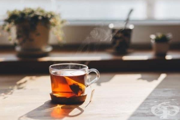 Чай. Всички видове чай са полезни и противодействат на възпалението. При хора с артрит е препоръчителен зеления чай, защото съдържа полифенола епигалокатехин галат, който предпазва хрущялите и костите - най-важните части от структурата на ставите.