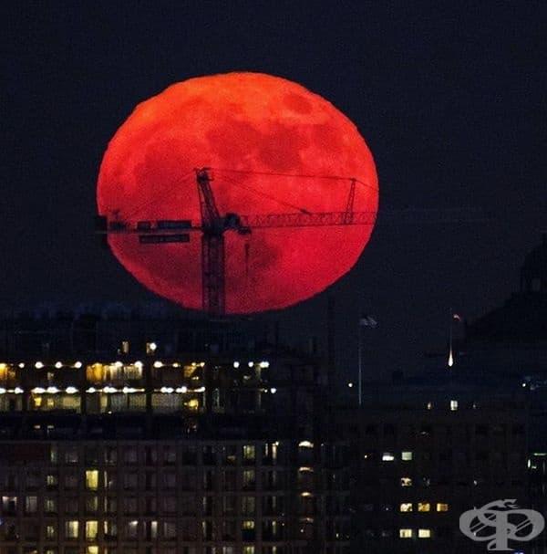 Пълна супер луна на 3 декември 2017 г. Това означава пълна Луна и лунен перигей само за няколко дни.
