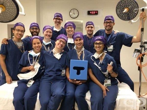 Те твърдят, че имената им може да спестят жизненоважни секунди, когато случаят е на живот и смърт. Идеята спестява време и на докторите, които се налага да работят за пръв път  съвместно в спешна операция.