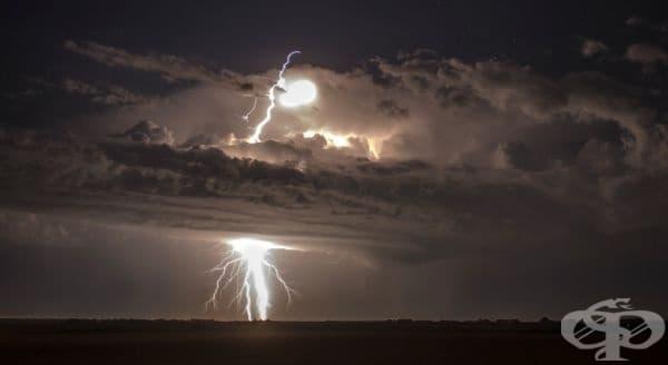 Гръмотевична буря в Южна Дакота.