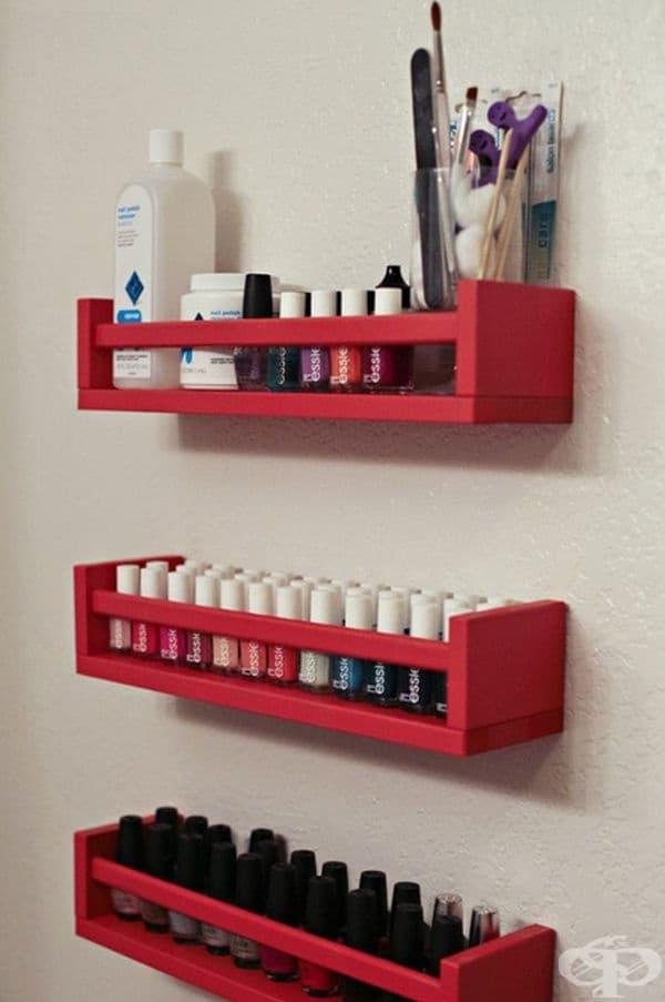 Рафтове за вашата козметика.
