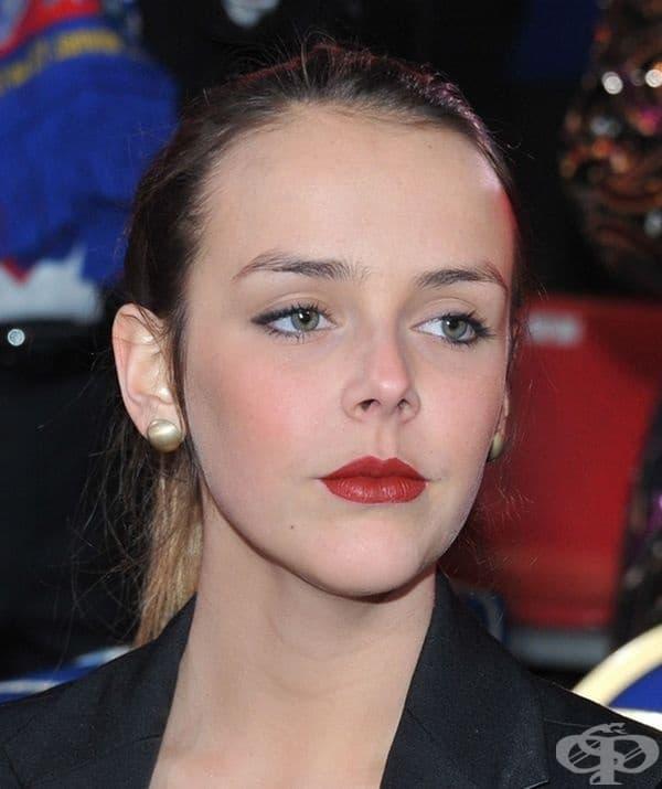Полин Грейс Магай Дюкре, внучка на  принц Рение III, Монако.