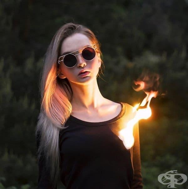 Понякога процесът е и опасен. Огънят от снимката е реален.