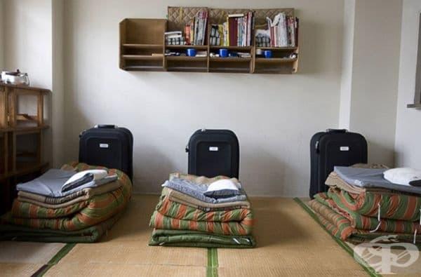 Затвор Ономичи, Япония. Затворниците имат достъп до хубава храна и прекарват работното си време в плетене и шиене.