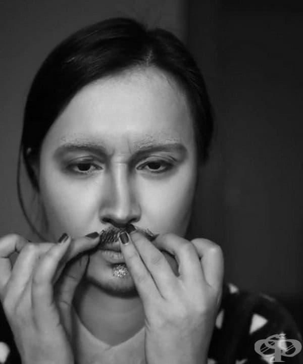 Трудно е да си представим Джони Деп без мустаци. Ето ги тях.