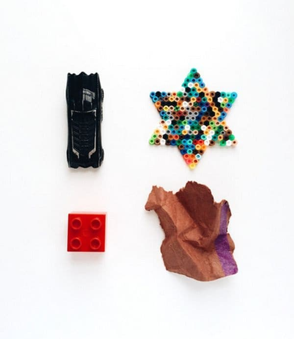 Сладка серия от снимки показва какво крият в джобовете си децата от детските градини