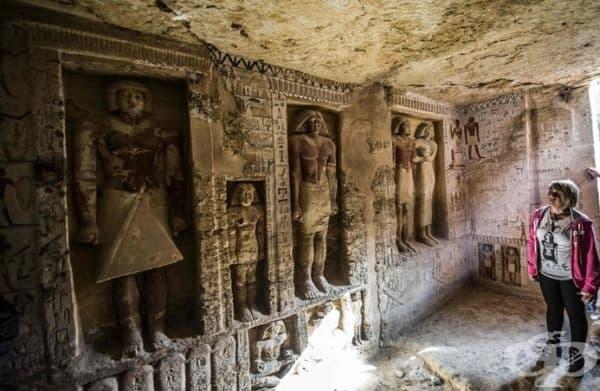 Гробницата съдържа също и 5 погребални шахти, които ще бъдат обект на предстоящи разкопки.