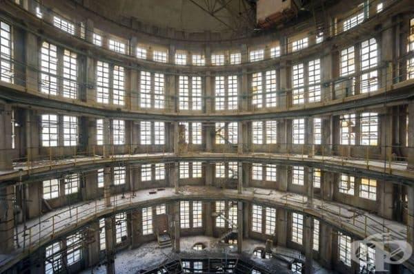 Фабрика в Италия.