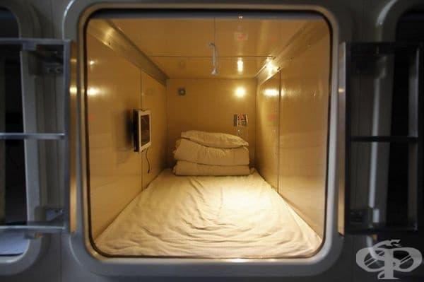 Стая от първия капсулен хотел в Китай.