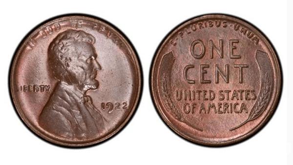 """Цент с Линкълн и жито без """"D"""" (1922). Цена близо 28 000 $. През 1922 г. монети от 1 цент са сечени само от Денвърския монетен двор, но е трябвало да присъства и марката """"D"""". Поради износването на печатите, върху някои копия буквата липсва.Затова е ценна."""