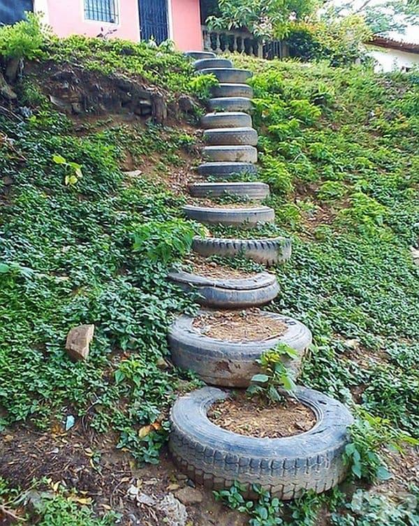 С подобни стълби няма да се пързаляте в градината.