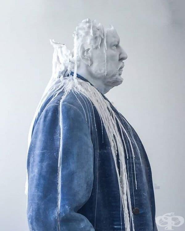 Восъчна скулптура от Урс Фишър.