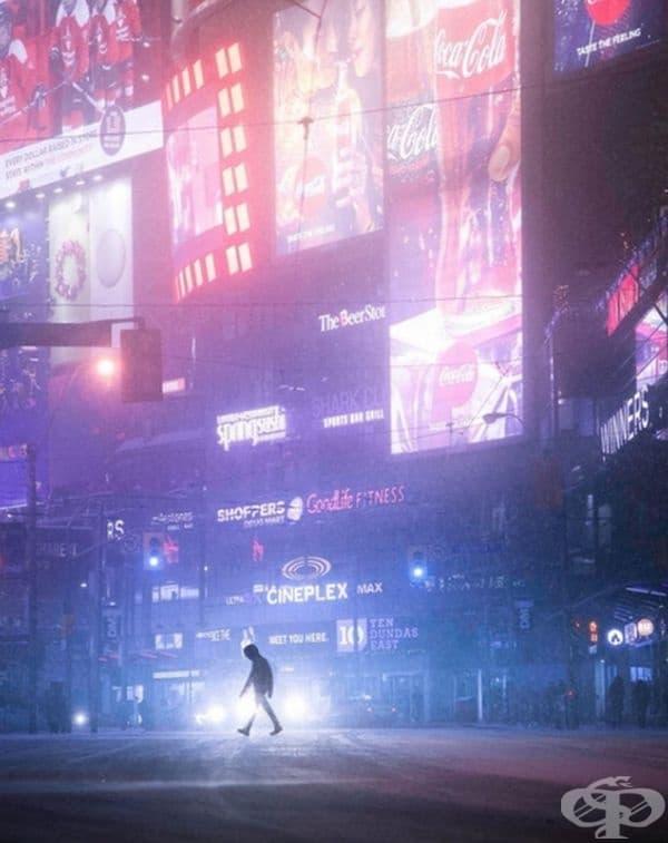 """Кадър от Торонто, наподобяващ на сцена от """"Blade Runner""""."""