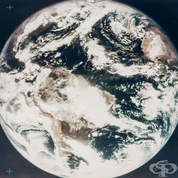 Първата цветна снимка на Земята, 1967 г.