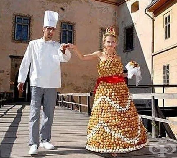 Сватбената рокля от кремчета.