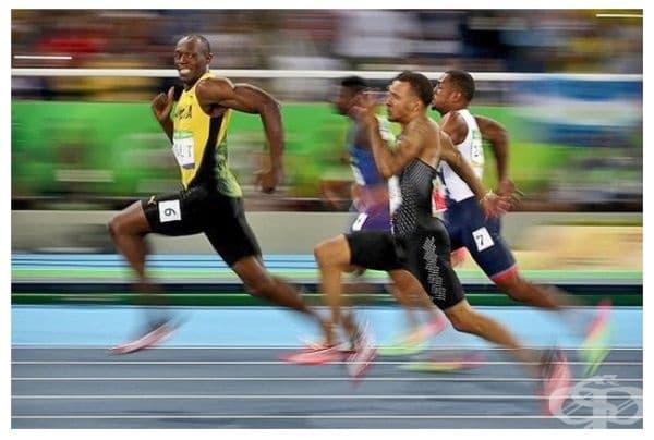 Не забравяй да се усмихваш пред камерата... дори да остават само 100 метра до финала.