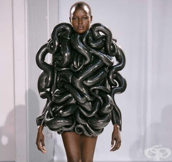 Облекло тип пипала на октопод.