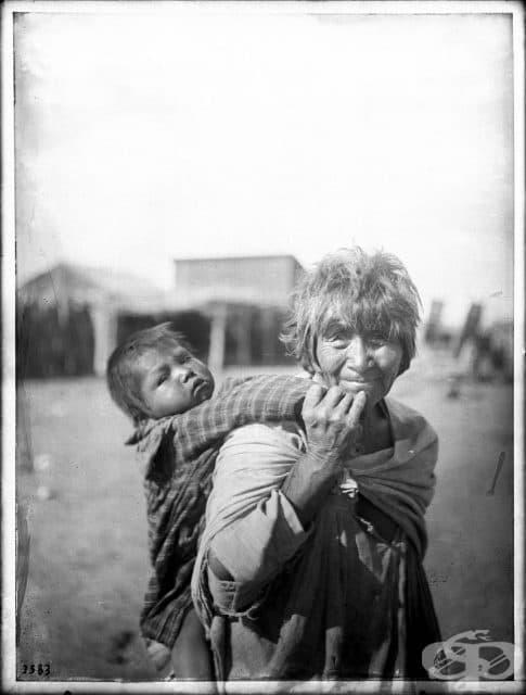 Баба и внуче, 1900 г.