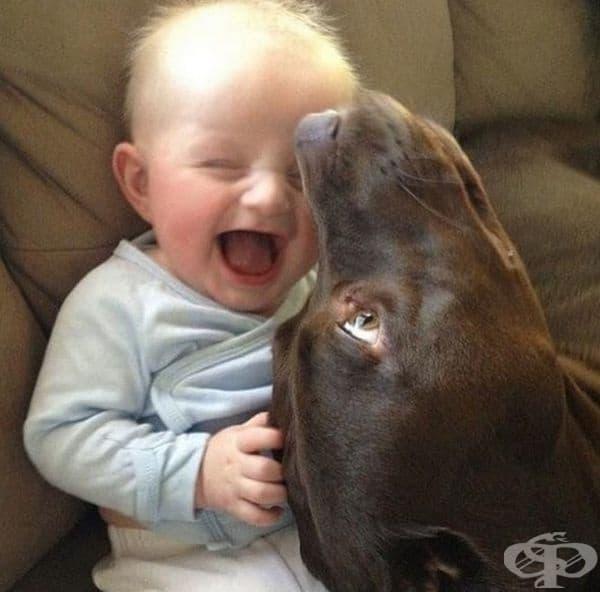 Добрите приятели винаги те карат да се усмихваш.