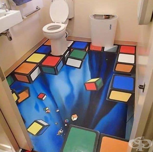 Тоалетна, преобразена в място за илюзии.