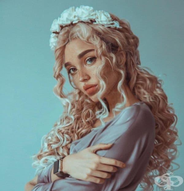 Ксения Рейн. Талантлива художничка, която рисува портрети. Любовта й към естетиката се вижда и от снимките. Хиляди фенове следят нейното творчество и се вдъхновяват от ярките й образи.