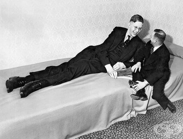 През 1940 г. получава инфекция на глезена от неподходящи патерици.