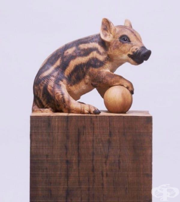 Испанец превръща дървени трупи в реалистични животни