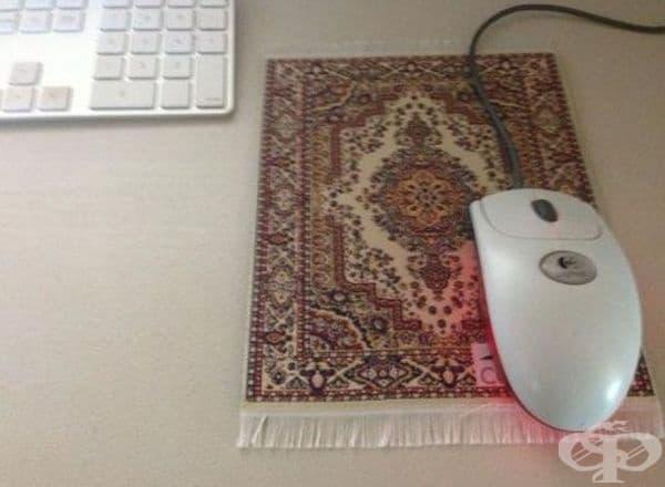 Традиционен килим за компютърна мишка.