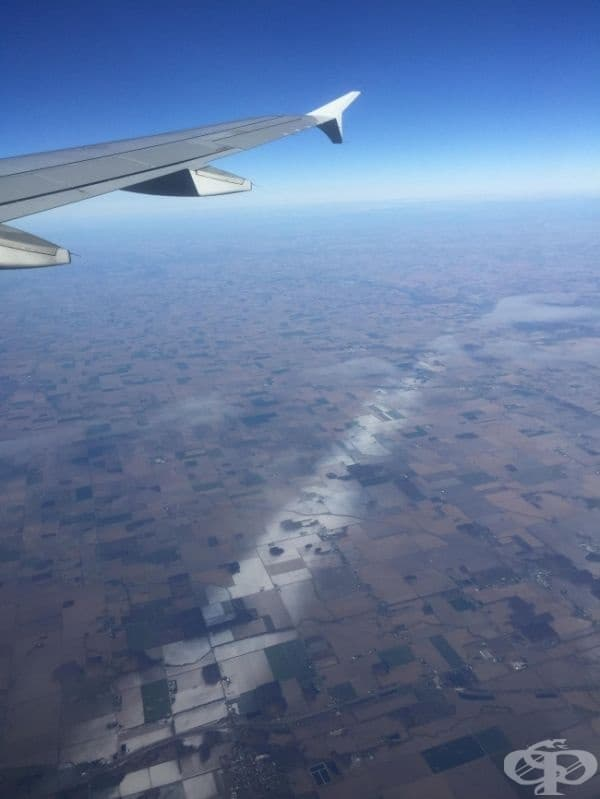 Снегът се сипе в тънка линия над Охайо.