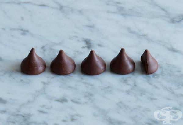 4 и 1/2 шоколадови бонбони = 100 калории