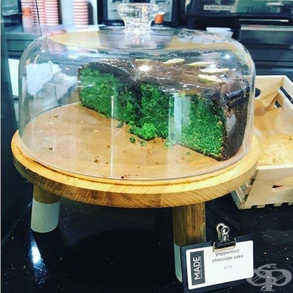 Шоколадов кейк от мента. Този десерт се предлага в едно кафене в близост до Лондон и хората, които са го опитвали, твърдят, че е приятен на вкус.