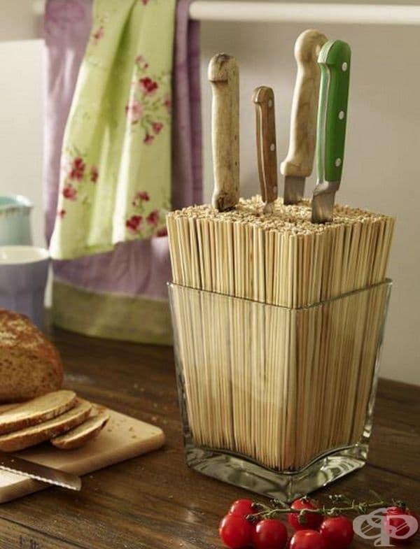 Поставка за ножове, изработена от бамбукови пръчици