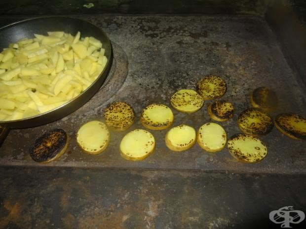 Обожаваме картофки, печени на печката.