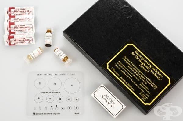 """Медицински комплект за тестване срещу алергии на компания """"Bencard"""" от края на 20 век"""