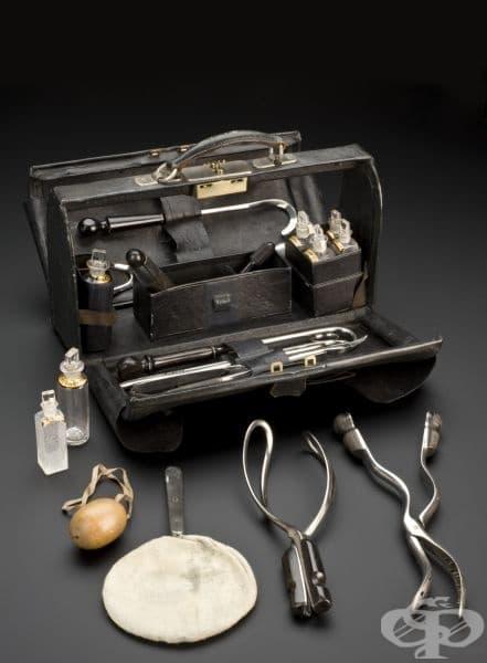 Акушерска чанта от 1866 година