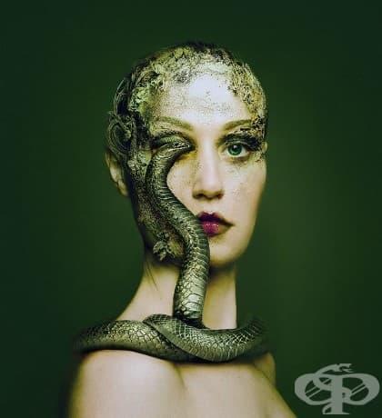 Флора Борси става едно с животните, заменяйки едното си око с техните в красиви автопортрети