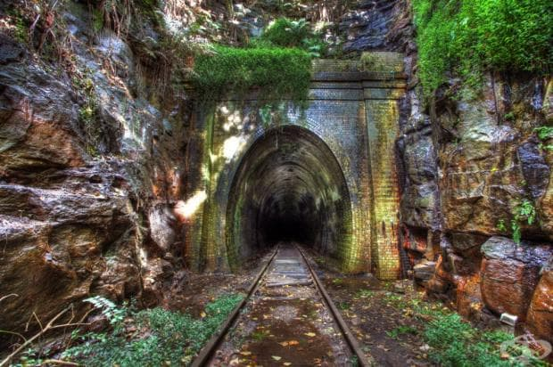 Изоставен железопътен тунел, град Хеленсбург