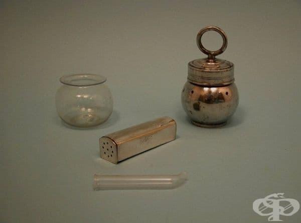 Съдове за кръвопускане с пиявици от 1790 година.
