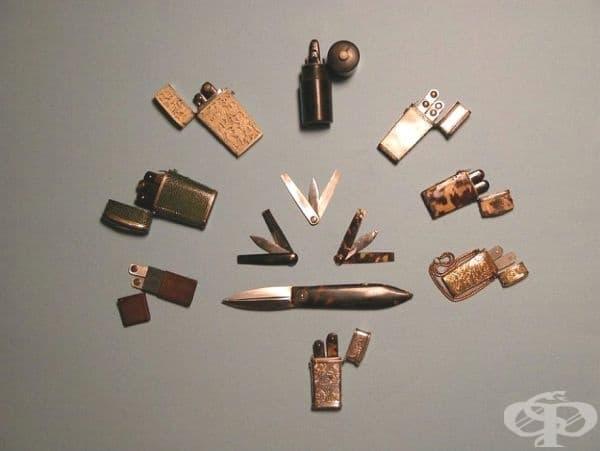 Ланцети, ползвани за взимане на кръв. Изработвали са се от кожа, рибешка кожа, слонова кост, абанос, седеф, черупки от костенурка, злато и сребро.