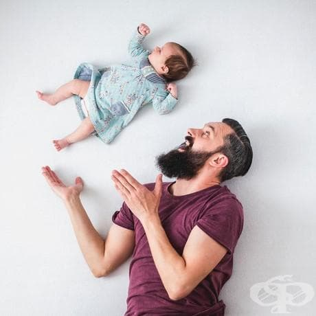 Забавни фотографии на баща, който си играе с новородената си дъщеря (без фотошоп)