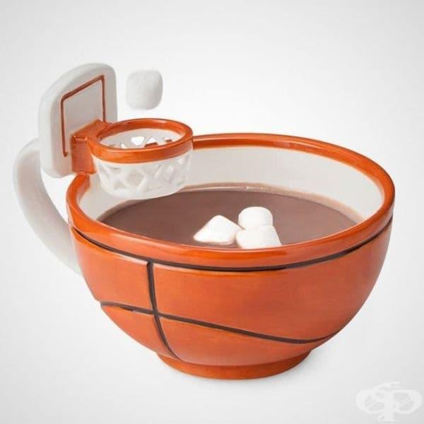 Баскетболна чаша с кош за потапяне на захар и бонбони.