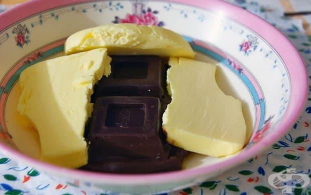 Начупете шоколада на парчета