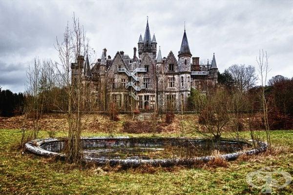 """Дворецът """"Шато Миранда"""" в южната част на Белгия някога е бил прекрасен, но днес е необитаем и призрачен."""