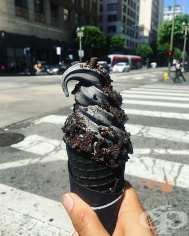 Черният сладолед е вече факт – много рокендрол, а?