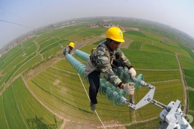 Монтиране на високоволтажни кабели в Китай