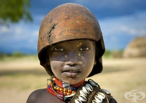 Етиопия. Дете от племето Ерборе.