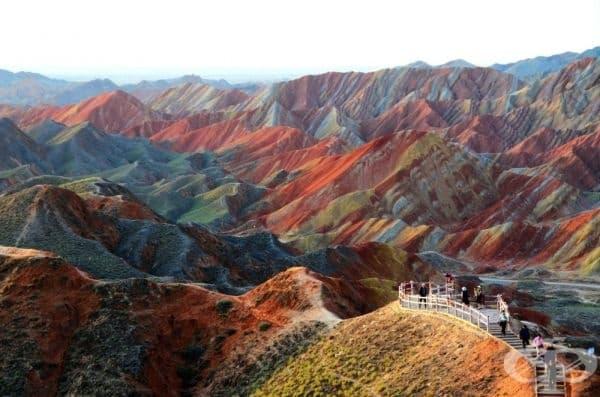 Цветните планини Данксия, Китай.